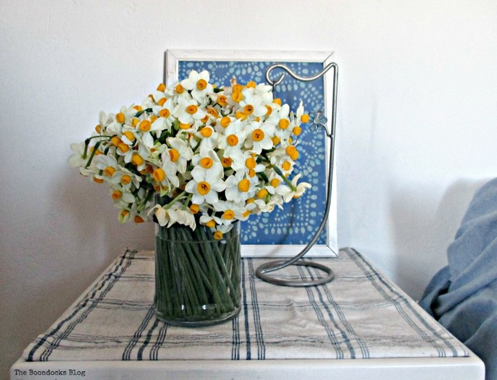 Flowers on repainted side table. Spring Is in the Air - The Boondocks blog