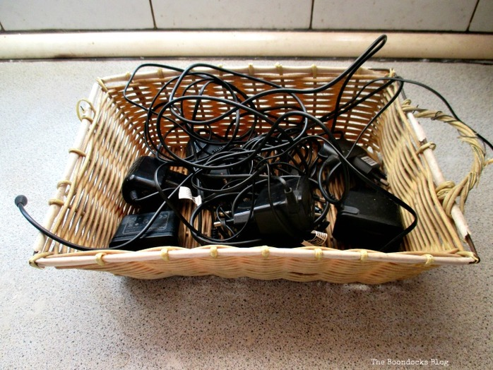 Basket with wires, Untangling the wires - www.theboondocksblog.com