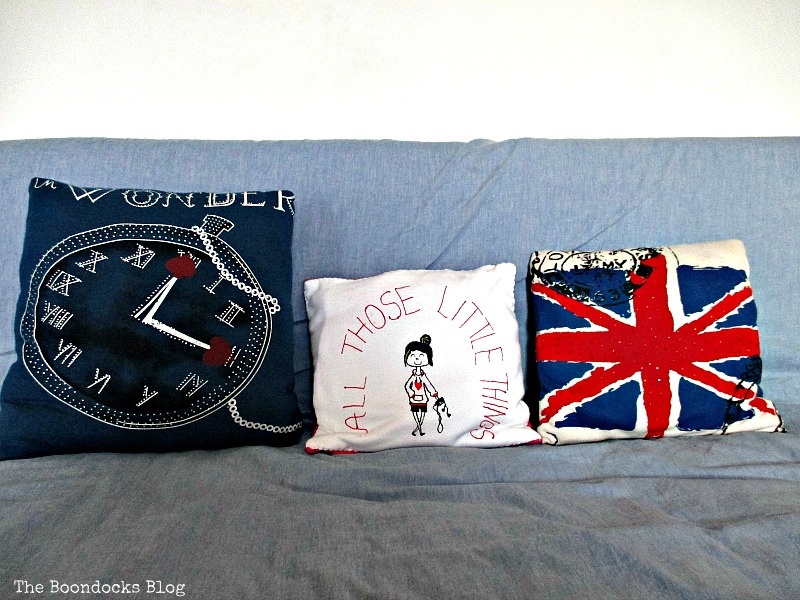 rep urposed pillows, A Special Pillow for a Friend - www.theboondocksblog.com