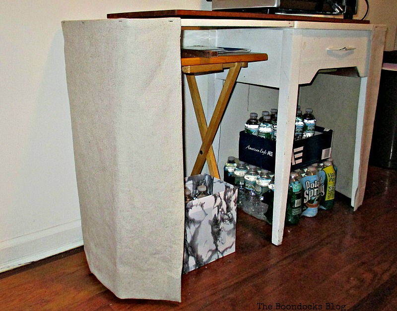 Adding linen to the side of the table, Covering it up www.theboondocksblog.com