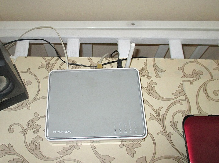 Router wires, From Crib to Desk www.theboondocksblog.com