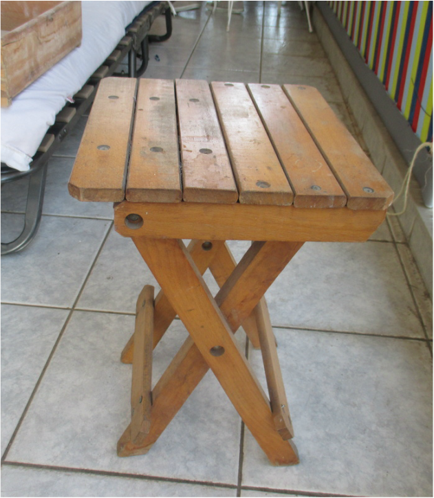 Wood stool, Pieces of a table, www.theboondocksblog.com