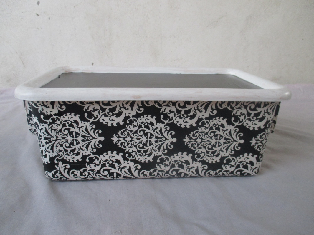 Decoupaged box, From Color to black and white www.theboondocksblog.com