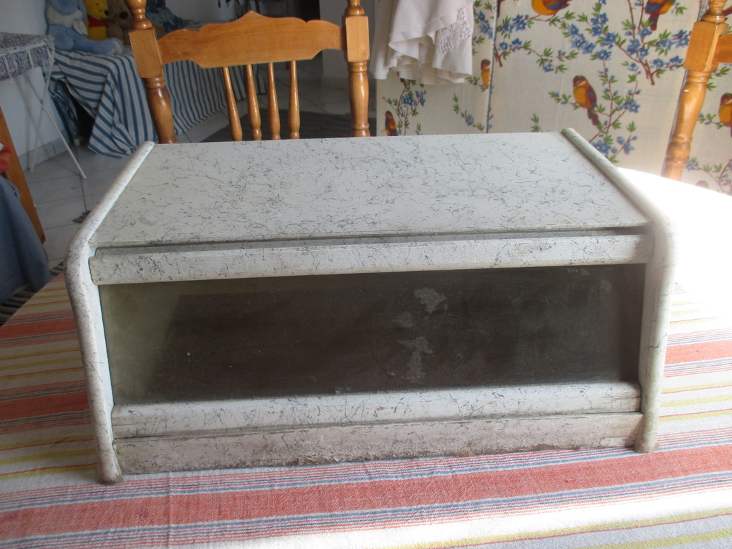 Bread box before, New tenant for the bread box, www.theboondocksblog.com