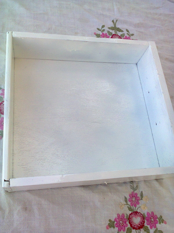 Painting the drawer, Pieces of a table, www.theboondocksblog.com