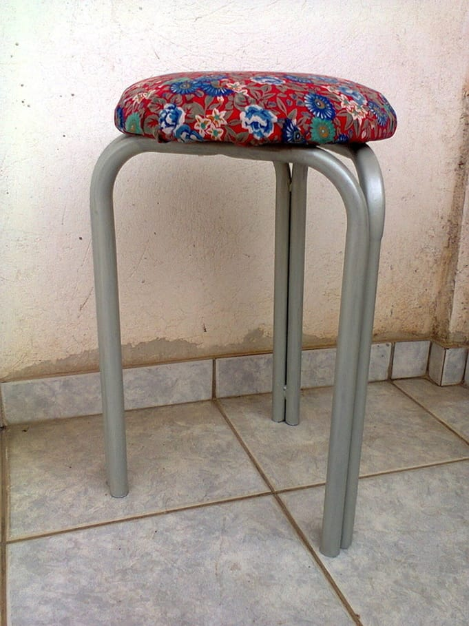 The finished stool, The Red Waterproof Stool www.theboondocksblog.com