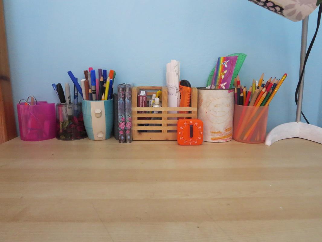 Mess on desk, Corralling the Pencils www.theboondocksblog.com