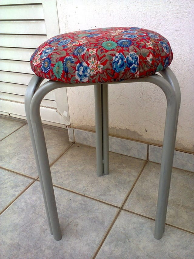 The stool after, The Red Waterproof Stool www.theboondocksblog.com