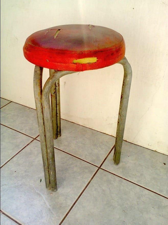 The stool before, The Red Waterproof Stool www.theboondocksblog.com
