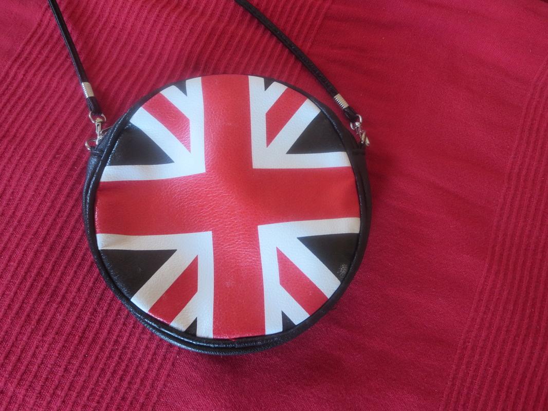 the british flag on bag  The Anglophile Desk www.theboondocksblog.com