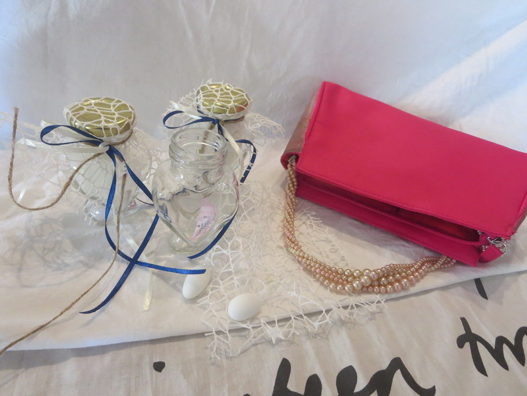 favors from the wedding and the bag, The Cinderella Bag www.theboondocksblog.com