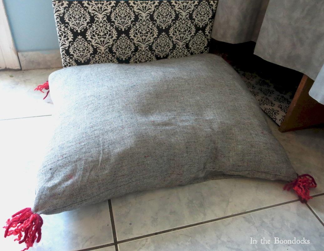 the Dr. Seuss pillow, Tweety's Storage Stool www.theboondocksblog.com