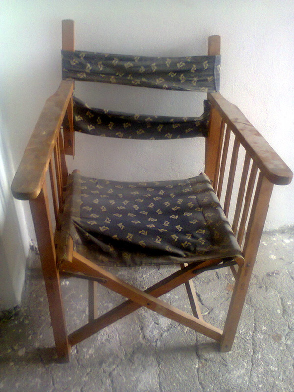 Old broken director's chair, The Showcase Table www.theboondocksblog.com