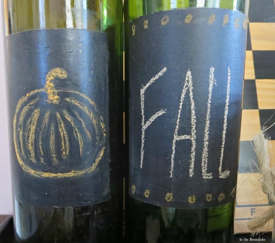 label, The Chalkboard Fall Vignette www.theboondocksblog.com