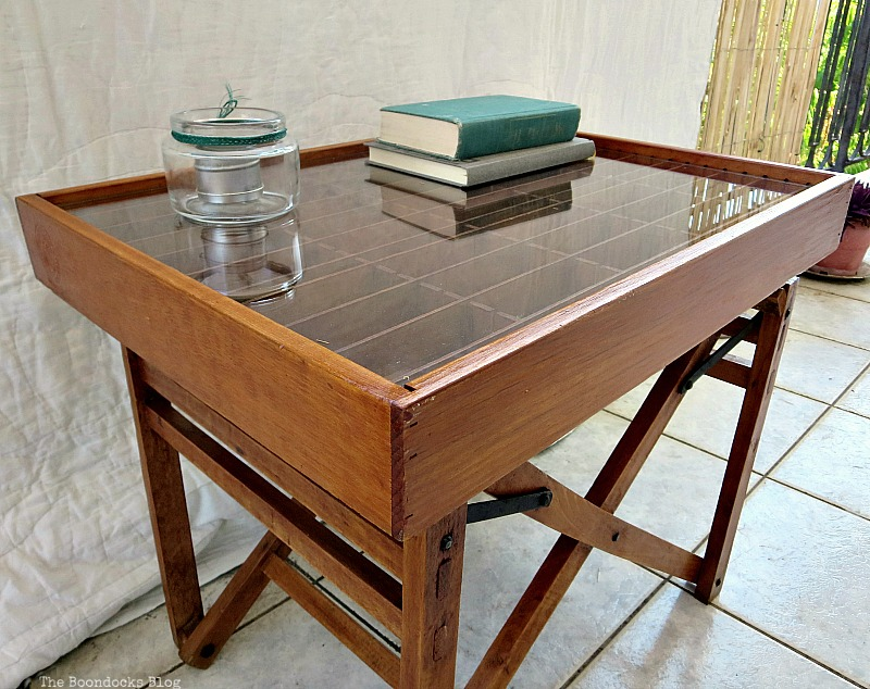 Repurposed director's chair and cassette holder, The Showcase Table www.theboondocksblog.com