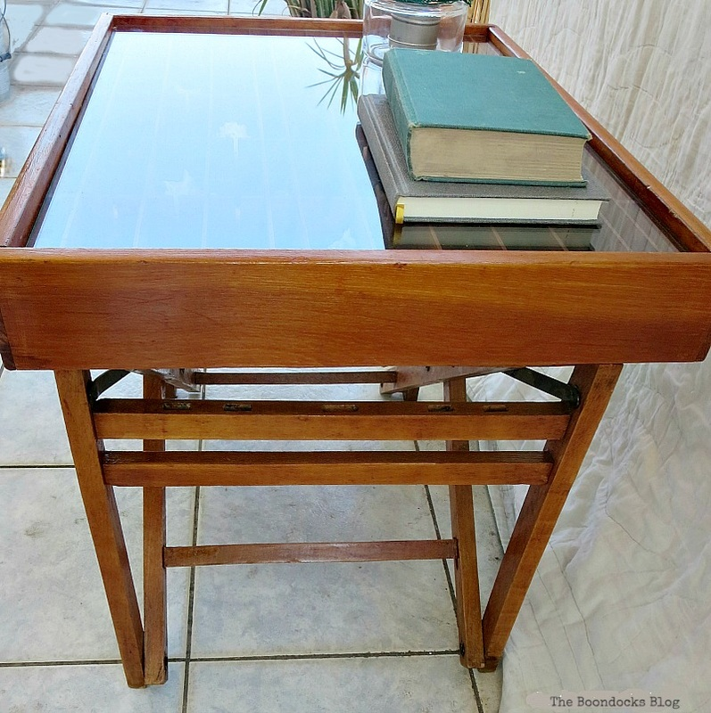 The repurposed table, The Showcase Table www.theboondocksblog.com