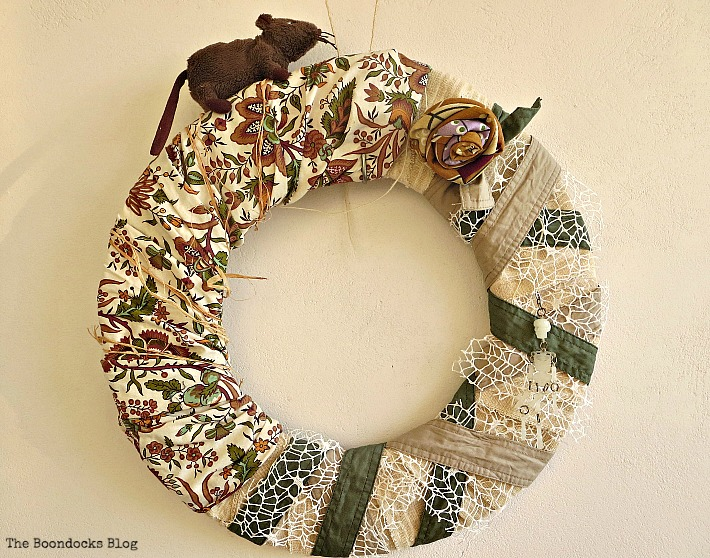 Fall Halloween wreath, The schizophrenic Wreath, www.theboondocksblog.com