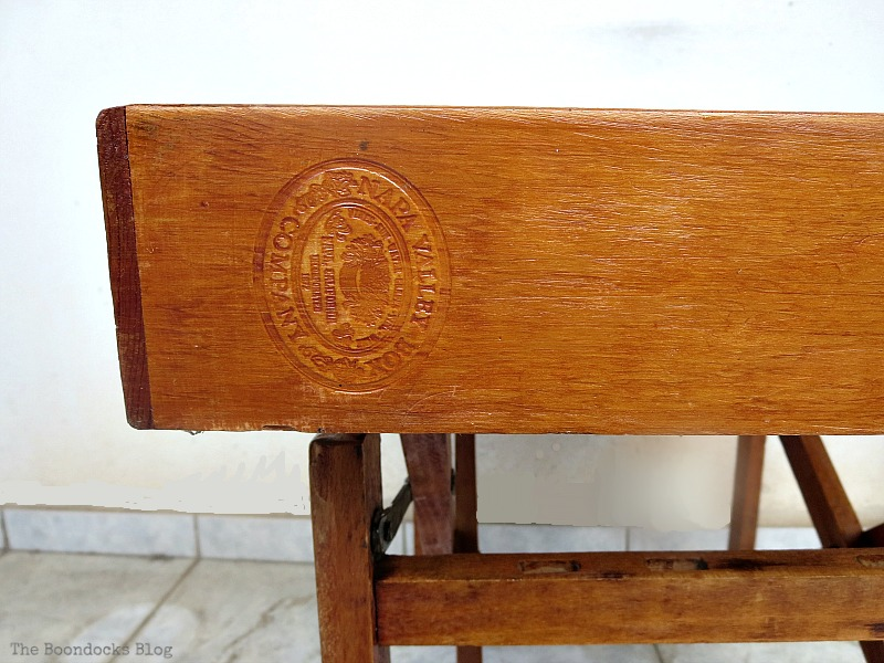 stamp on the side The Showcase Table www.theboondocksblog.com