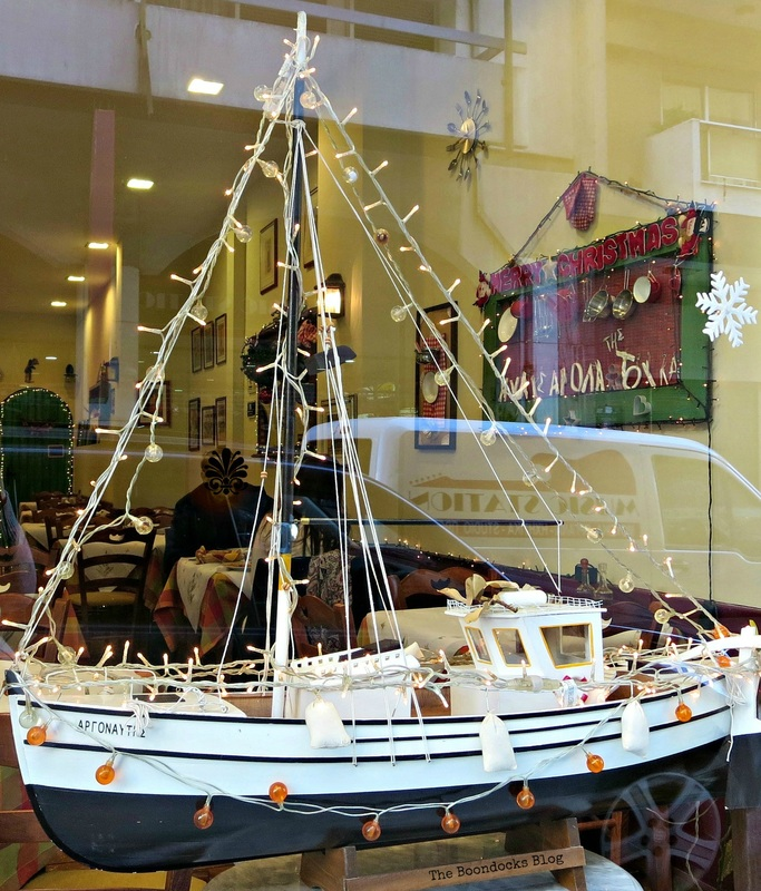 Sailboad with l ights, Christmas in the heart of the city, the boondocks blog