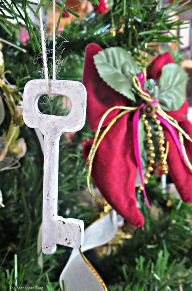 Old keys painted with chalk paint on the Christmas tree The Inspiration for my Christmas tree - the Boondocks blog