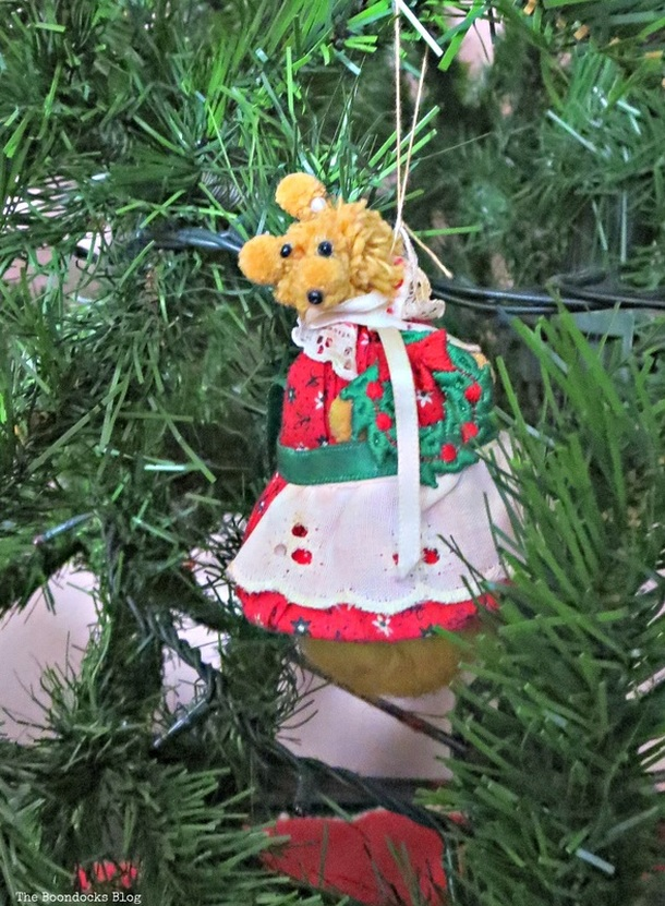 Mama Bear ornament on Christmas tree -The Inspiration for my Christmas tree the Boondocks blog