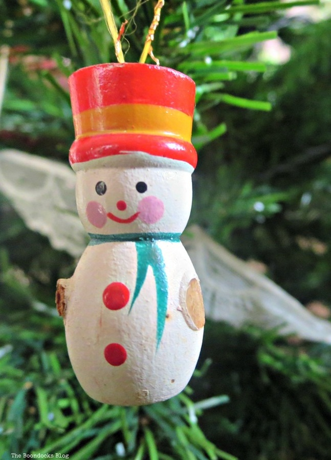 Wooden snowman on Christmas tree- The Inspiration for my Christmas tree the Boondocks blog