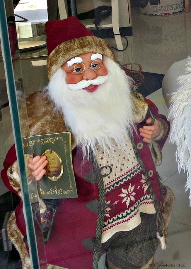 Santa, Christmas in the heart of the city - the boondocks blog