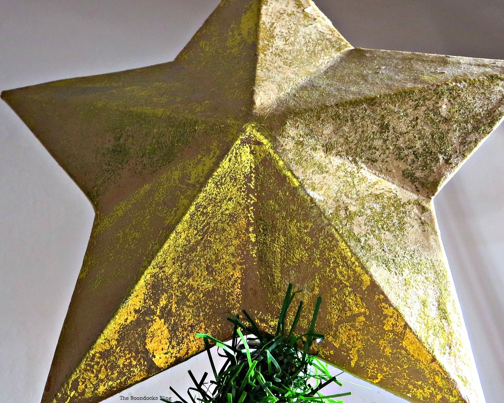 Gold star on top of Christmas tree -The Inspiration for my Christmas tree, the boondocks blog