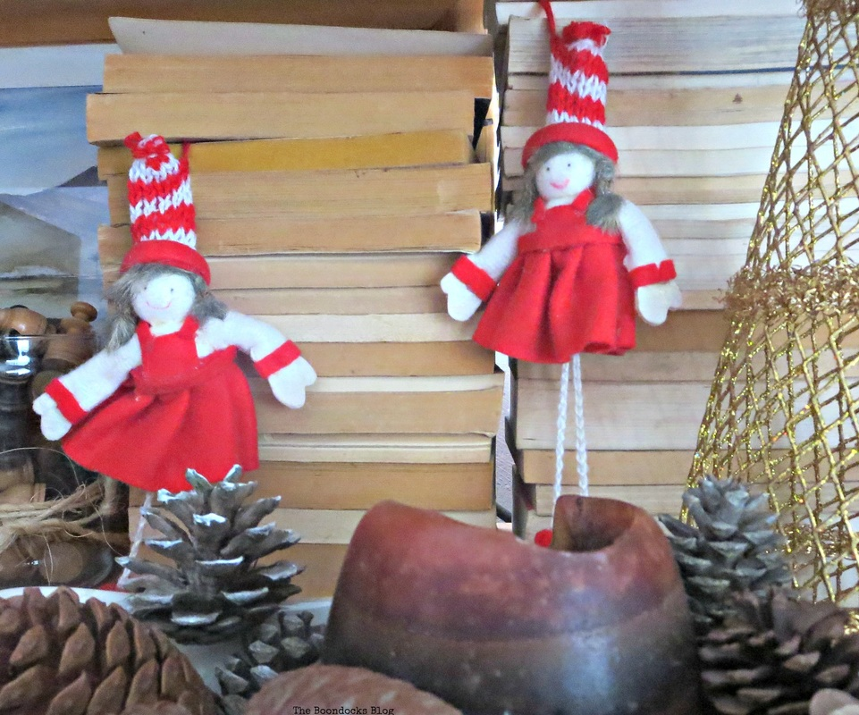 Red dolls in Wall Unit, Home for Christmas Blog Hop - The Boondocks Blog