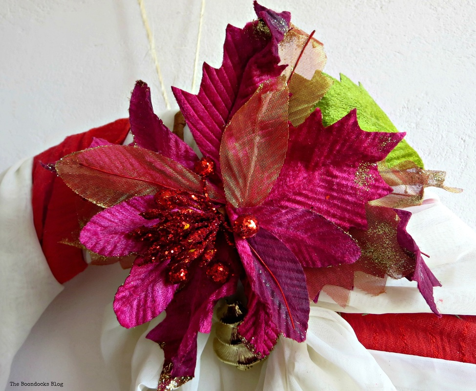 Detail of wreath a red and fuchsia flower- the boondocks blog