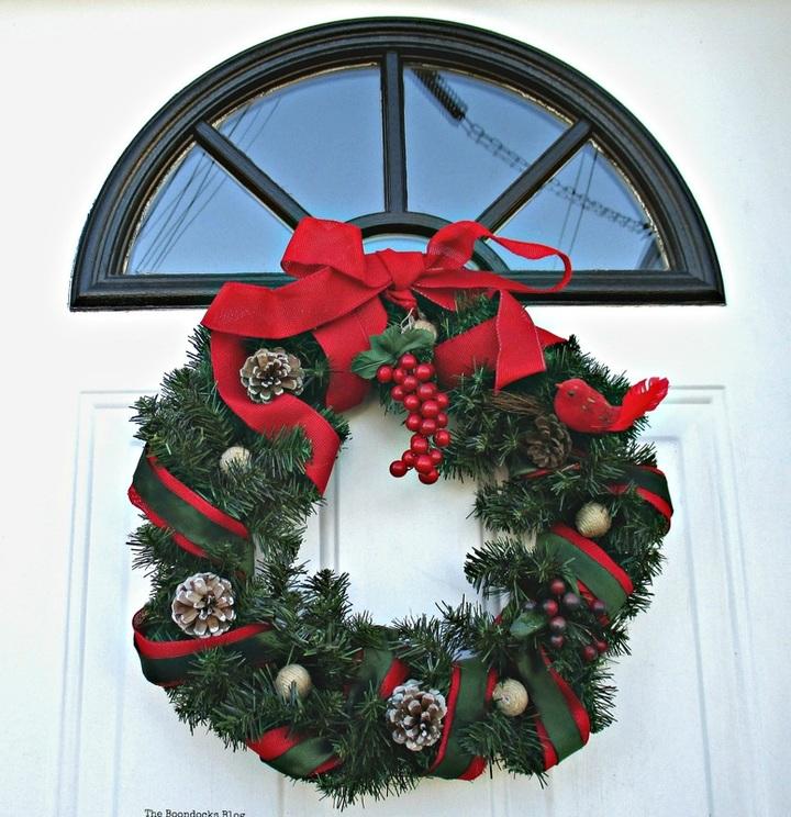 Christmas wreath on door- Merry Christmas - the boondocks blog