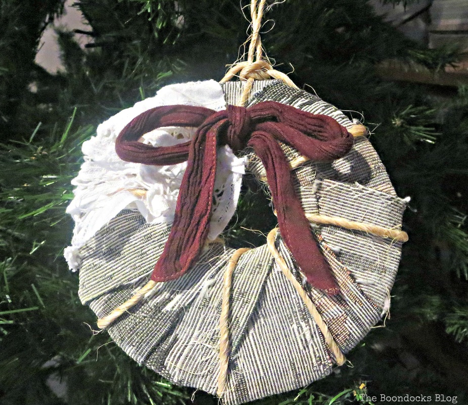 How to make Christmas  ornaments from cardboard - the boondocks blog