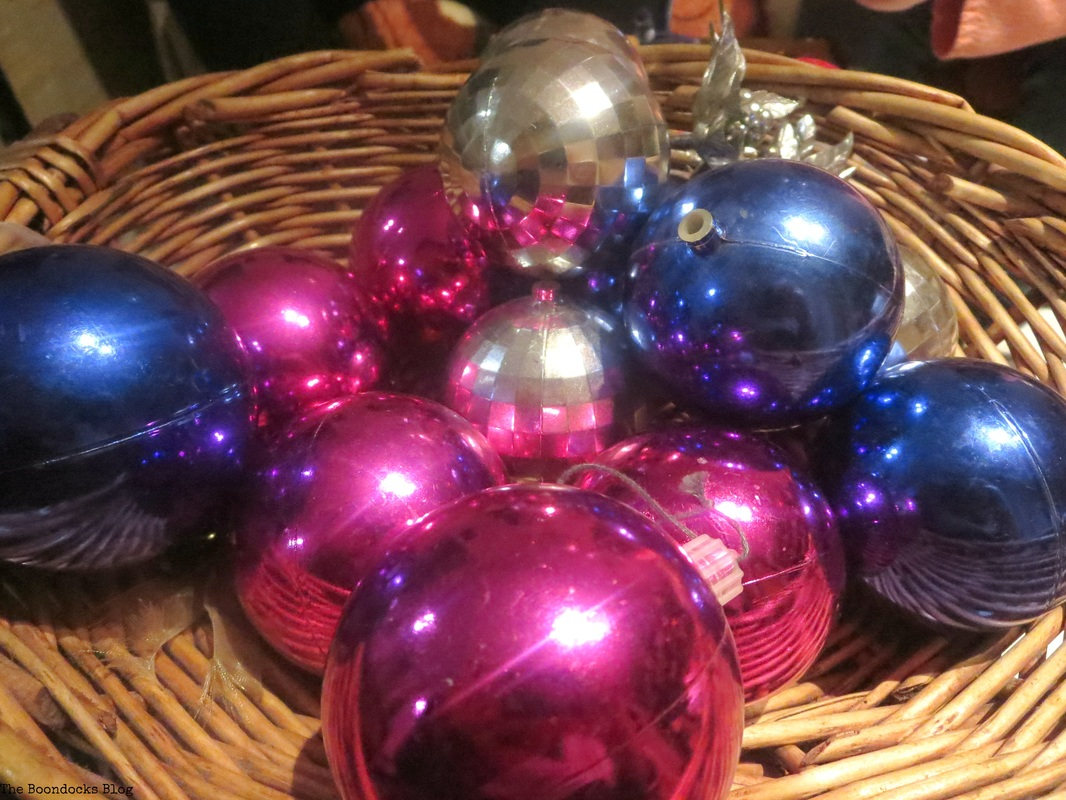 Pink, blue, silver baubles for Christmas tree The Inspiration for my Christmas tree - The Boondocks Blog