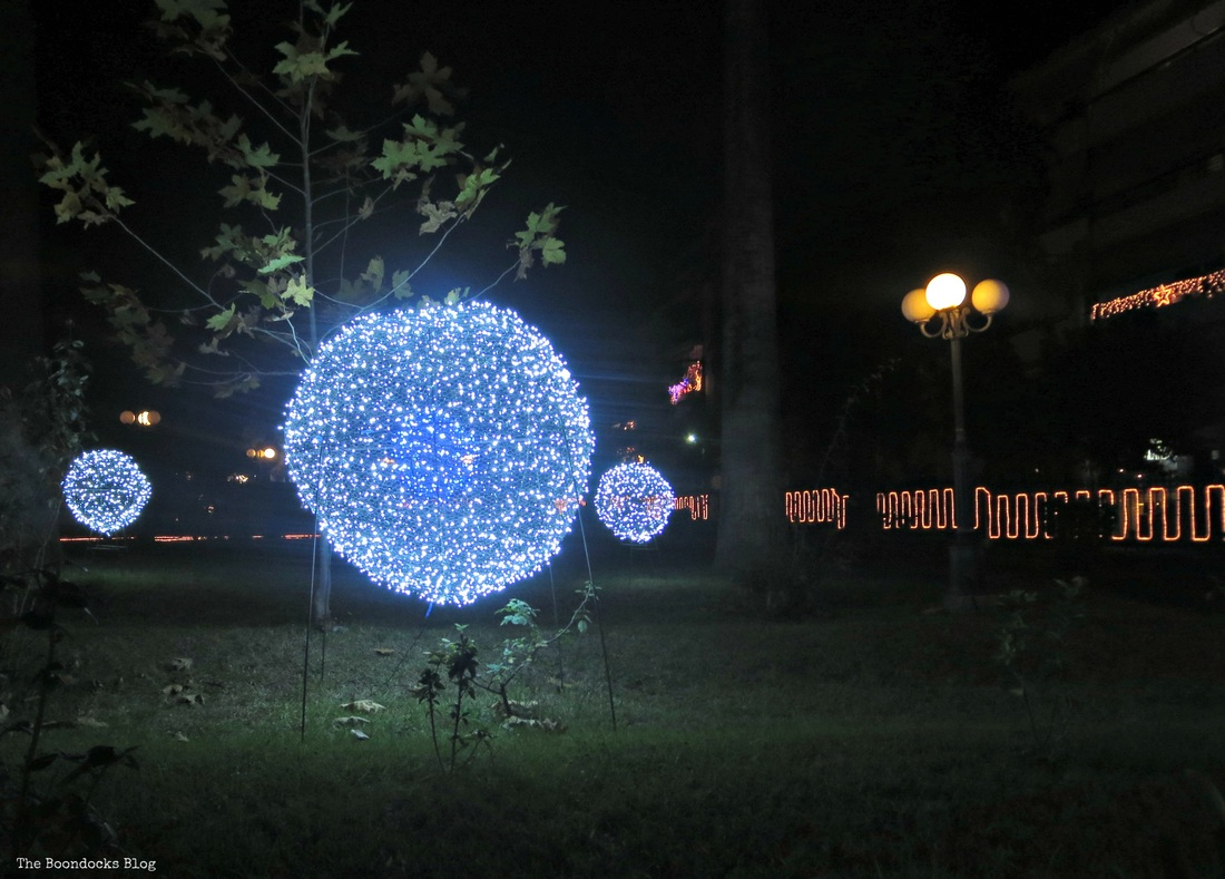 Lights in Christmas Park - The boondocks blog