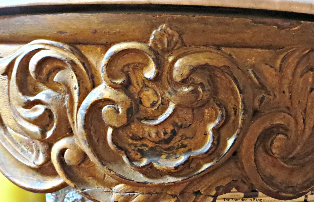 Detail of scrollwork on table, A house full of tresures - the Boondocks blog