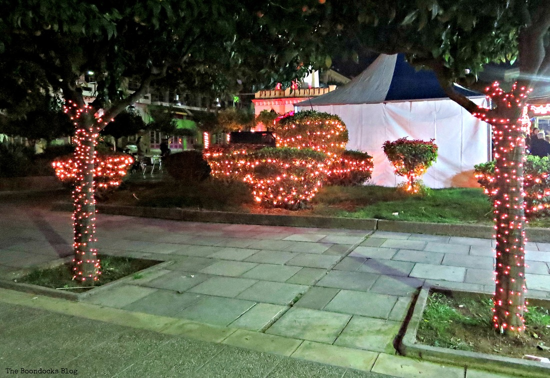 Lit Trees, Christmas Park - The Boondocks Blog