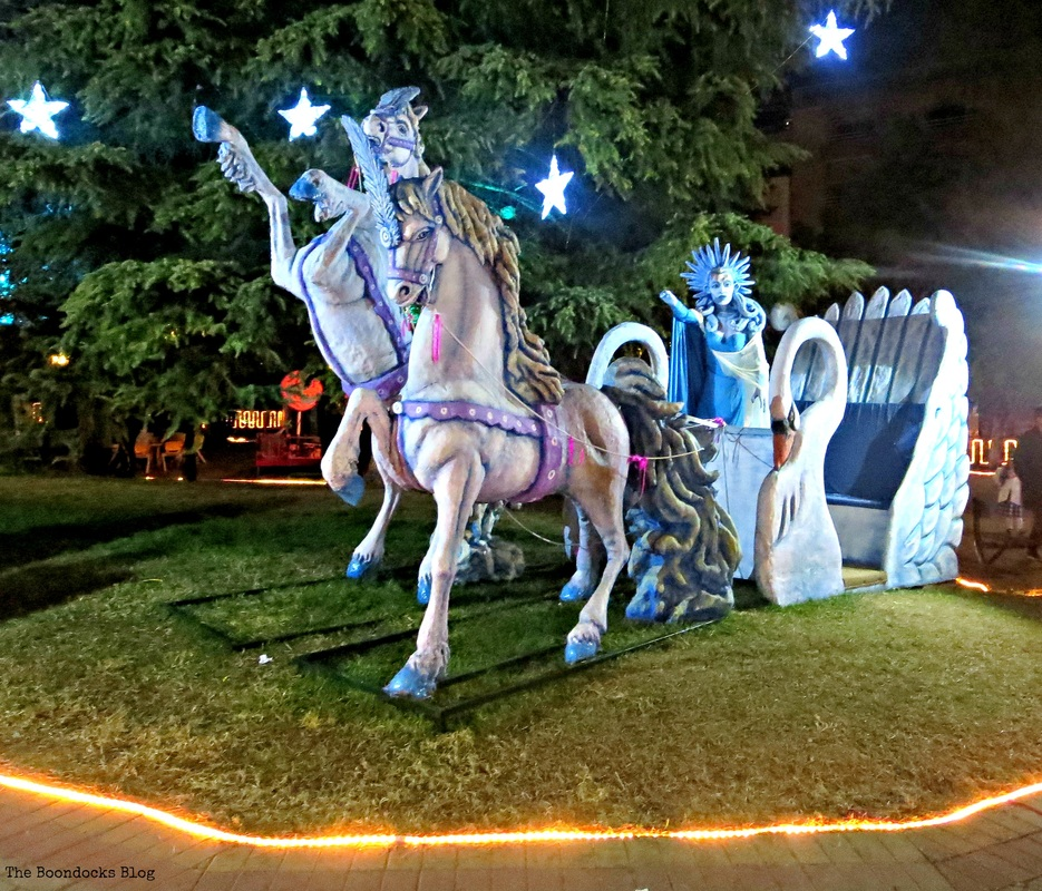 The snow queen and horses, Christmas Park - The Boondocks Blog