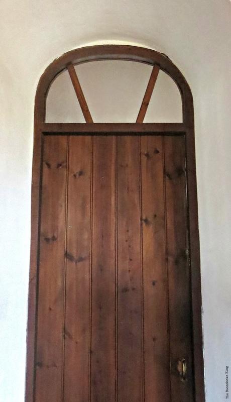 Old wooden door, A house full of tresures - The Boondocks Blog