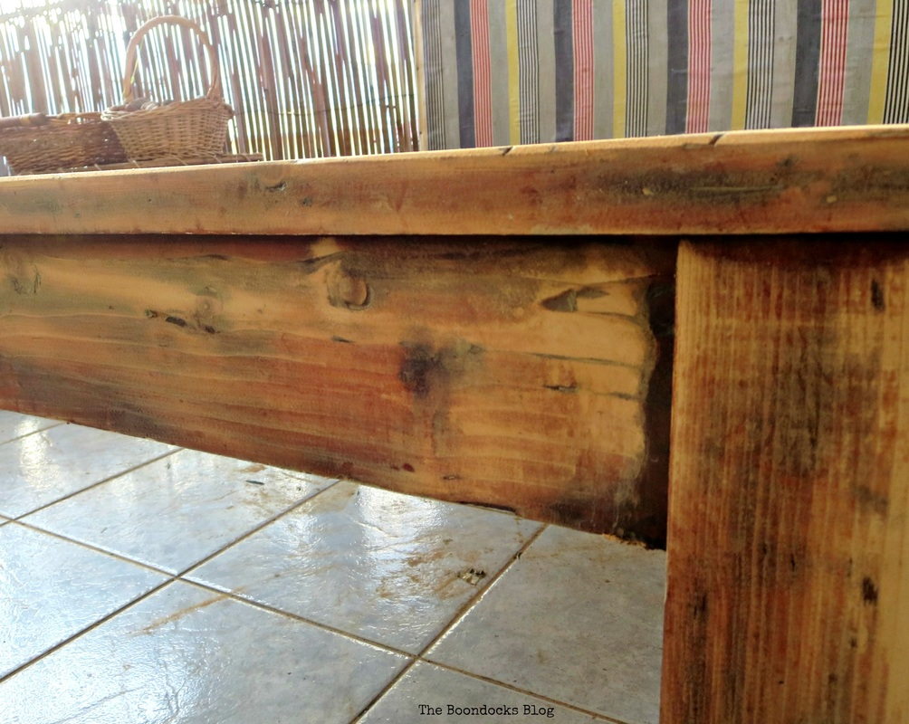 Side of sanded coffee table, The accidental tri-colored table - The Boondocks Blog
