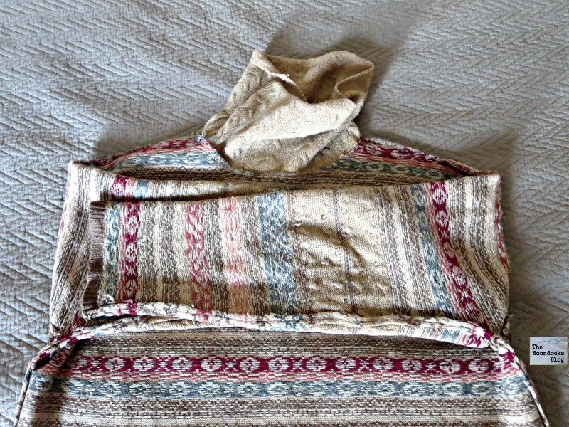 Folding the sweater, Sweaer pillows the easy way - the boondocksblog.com