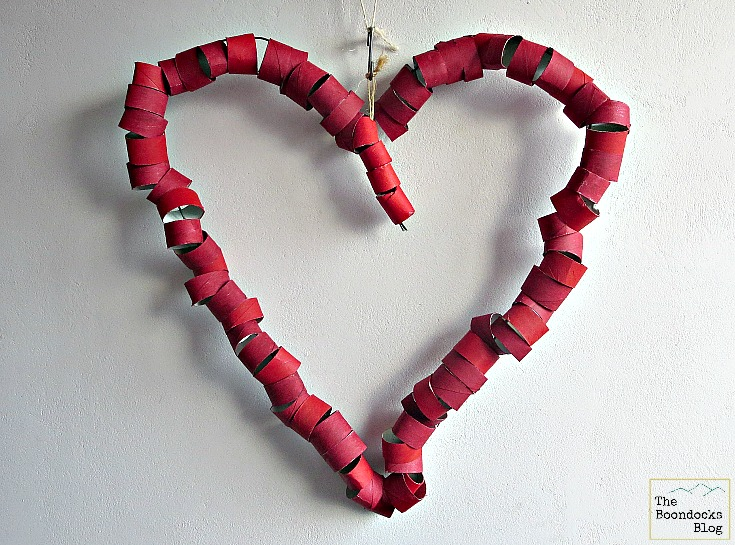 Wire and red rolls, A big bold heart - The boondocks blog