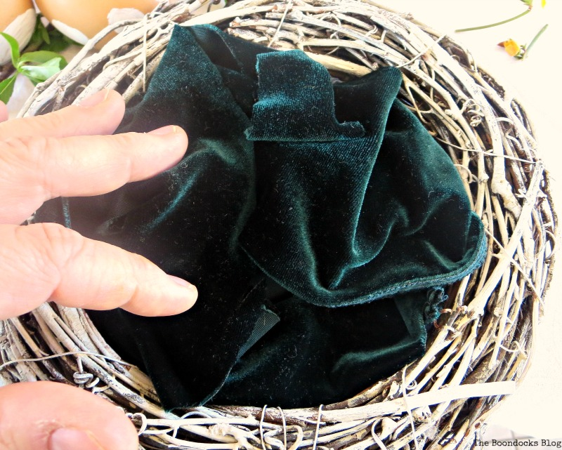 velvet in the nest, A nest for my rustic eggs www.theboondocksblog.com