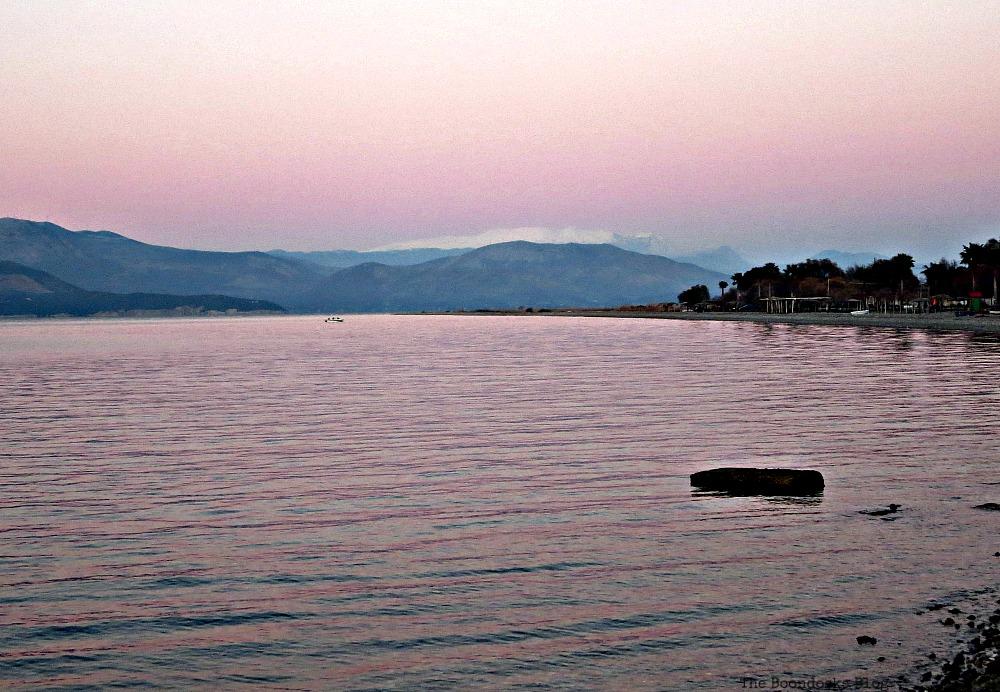 A lilac sky, A sunset stroll on the beach www.theboondocksblog.com