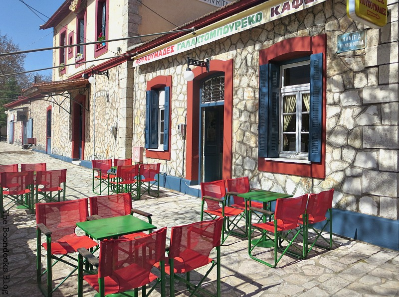 Coffee shop Shopping in Greece - Int'l Bloggers Club Challenge www.theboondocksblog.com