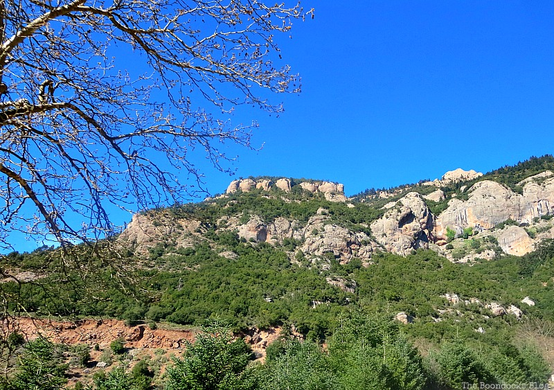 More rock formations, The Majestic Mountains of Greece www.theboondocksblog.com