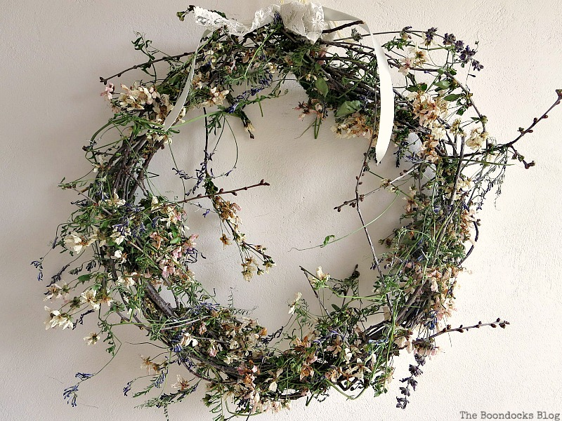 A May Day Wreath, Celebrating May Day www.theboondocksblog.com