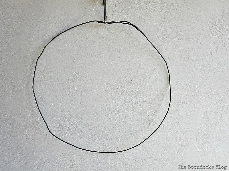 A wire for the wreath, Celebrating May Day www.theboondocksblog.com