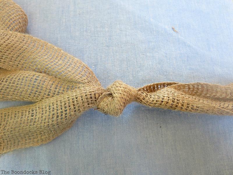 A knot at the bottom, The Virsatile Hanging Saucer / www.theboondocksblog.com