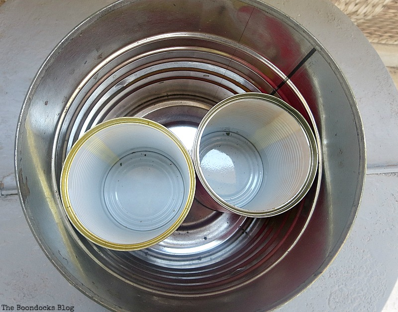 Adding smaller cans inside for compartmentalization, How to Repurpose cans instead of being overrun by them / www.theboondocksblog.com