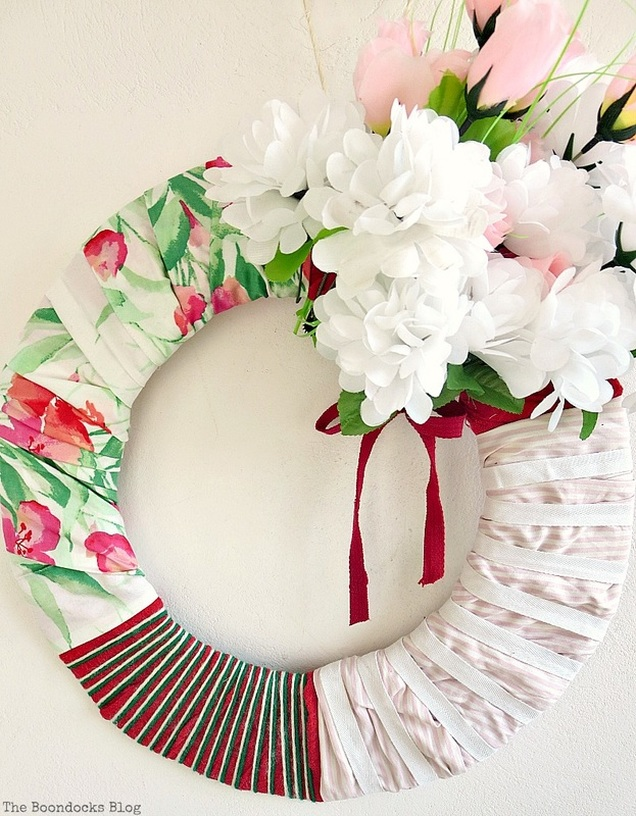 Unfinished with white flowers, The lopsided Summer Wreath www.theboondocksblog.com